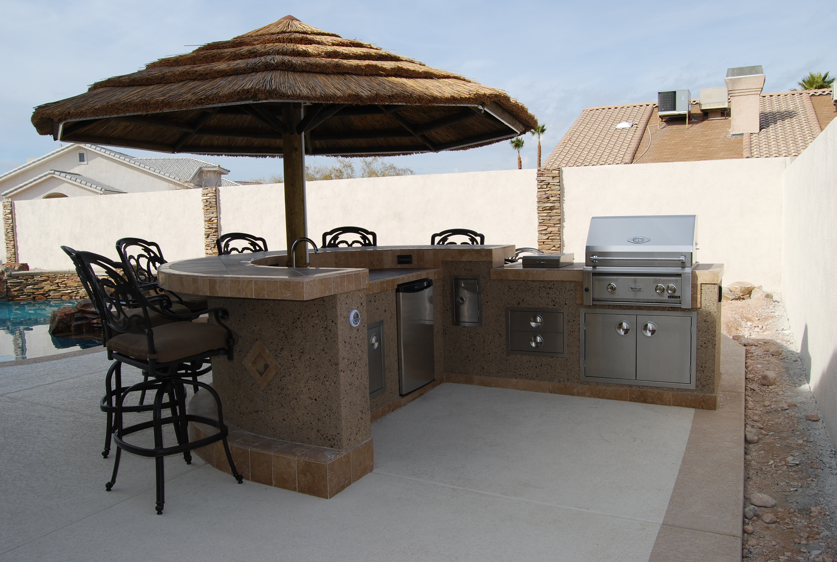 Outdoor kitchens las vegas outdoor kitchen for Outdoor kitchen islands and bars