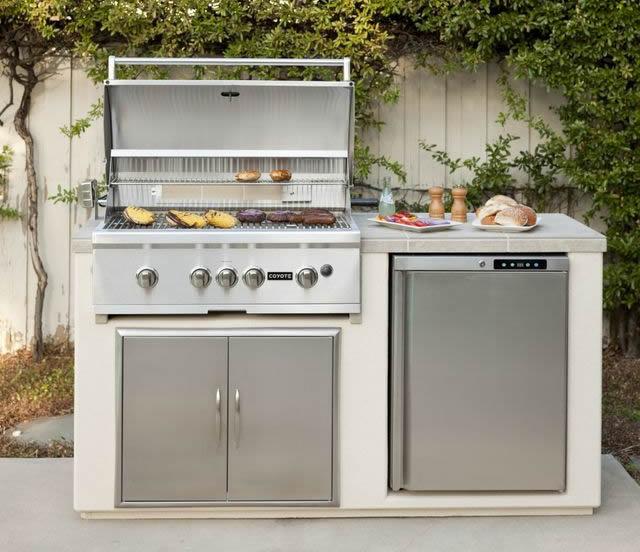 Custom Outdoor Kitchens: Las Vegas Outdoor Kitchen